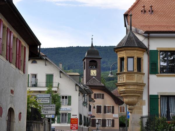 Champagne, dans la région des Trois-Lacs, 20 mai 2011. Le seul et unique village produisant un excellent Champagne qui n'a pas le droit de porter son nom!