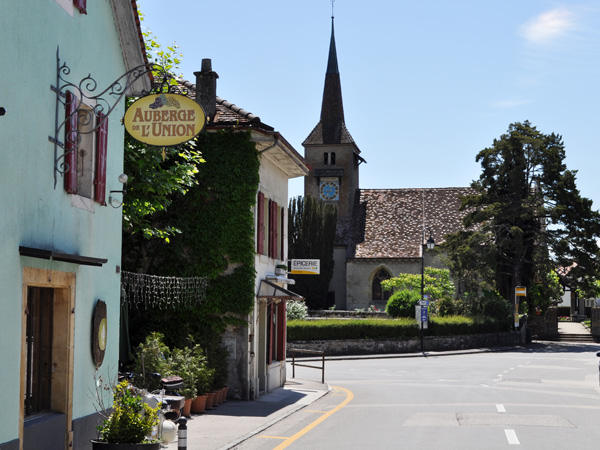 Concise, région des Trois-Lacs, 21 mai 2011. Dernier village vigneron de l'AOC vaudoise Bonvillars, juste à la frontière du Canton de Neuchâtel.