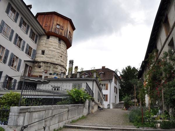 Balade dans la vieille ville de Bienne, région des Trois-Lacs, 19 juin 2011.
