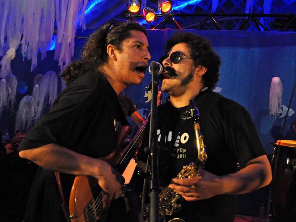 Paléo Festival 2011, Nyon: Los de Abajo, July 21, petite scène du Village du Monde.