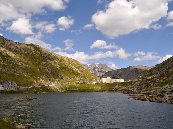 Au col du Grand-Saint-Bernard, frontière entre la Suisse et l'Italie, 19 août 2011.