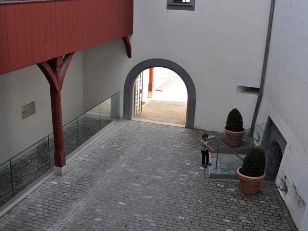 Château de Nyon, Musée Historique et des Porcelaines, septembre 2011.
