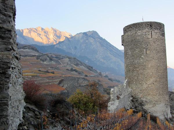 Découverte de la cité médiévale de Saillon, au centre du Valais, novembre 2011.