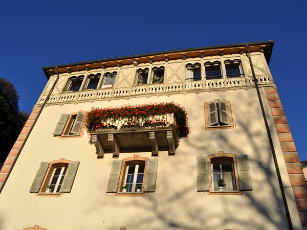 Sion, chef-lieu du canton du Valais, novembre 2011.