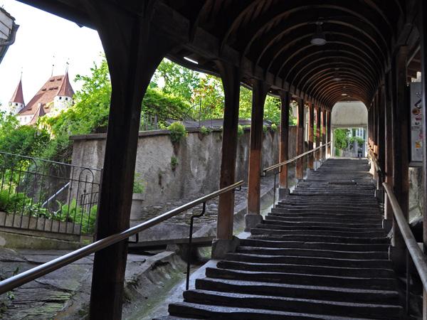 Balade en images à Thoune (Thun), porte d'entrée de l'Oberland bernois, mai 2012.