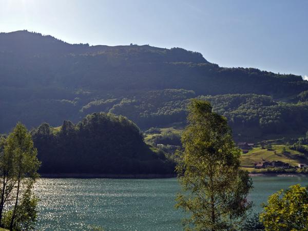 A la découverte de Sarnen et du canton d'Obwald, mai 2012. Paysage du lac de Sarnen.