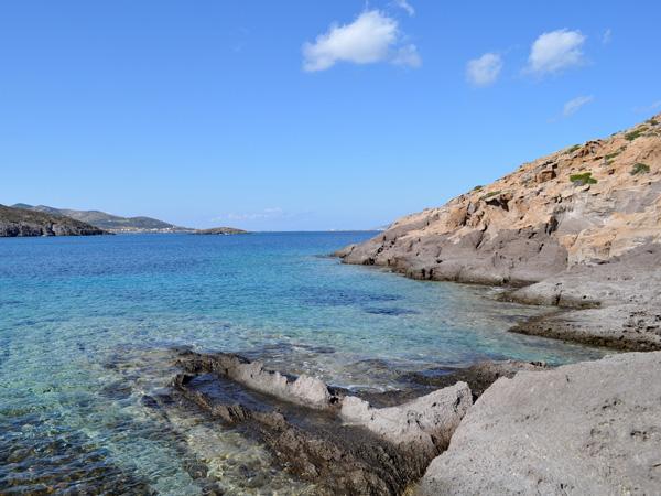 Péninsule de Petalidha, pointe sud d'Antiparos, Cyclades, avril 2013.