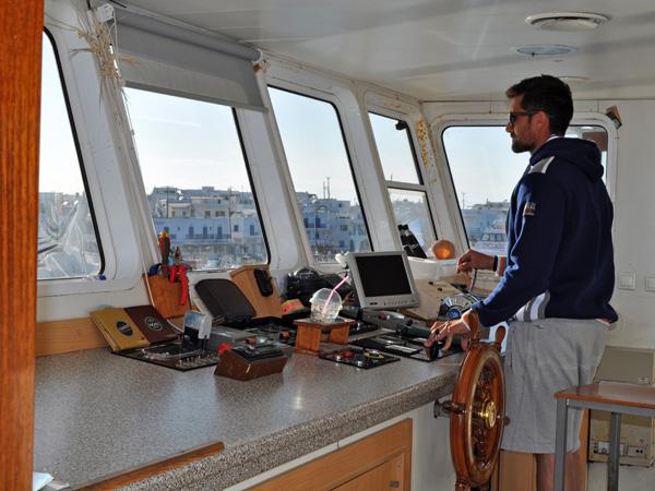 Sur le petit ferry reliant Paros et Antiparos, Cyclades, avril 2013.