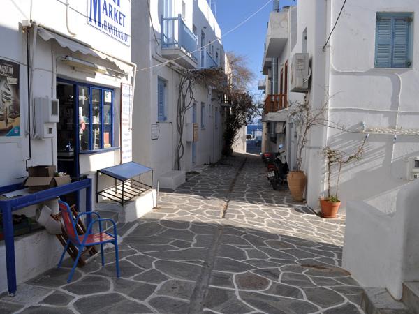 Le village de pêcheurs de Piso Livadi, sur la côte est de Paros, avril 2013.