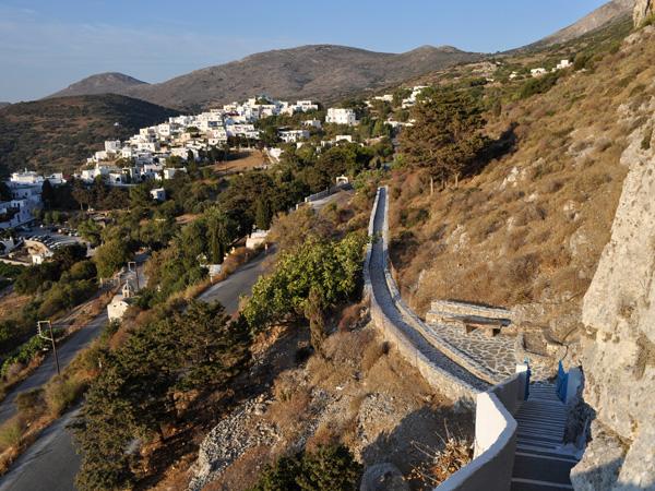 Lagadha, vue depuis la chapelle d'Aghia Triadha, Amorgos (Cyclades), août 2013.