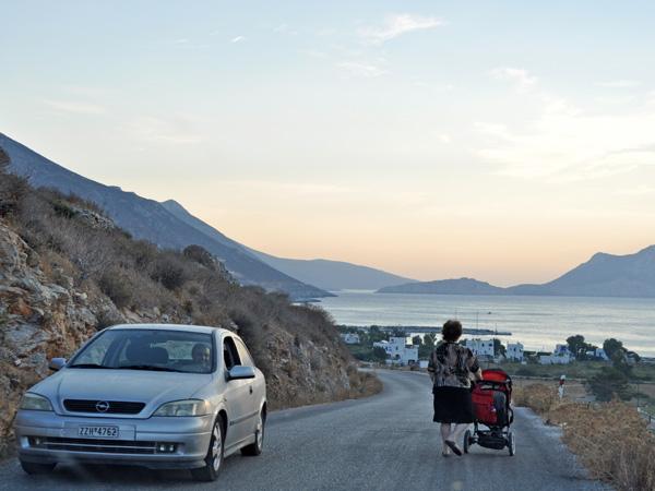 Montagneuse et longue de 30 kilomètres, l'île d'Amorgos offre des paysages spectaculaires tout au long de ses routes tortueuses.