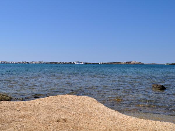 Plage de Vaghia, au sud de Pounta, face à Antiparos. Paros, septembre 2013.