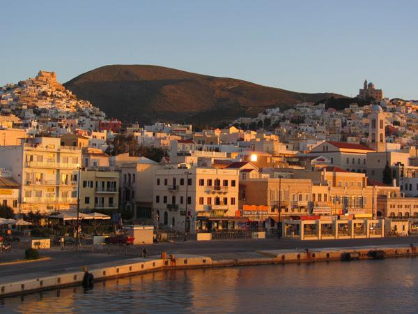 Ermoupoli, sur l'île de Syros, plaque tournante et capitale administrative des Cyclades, 2012.