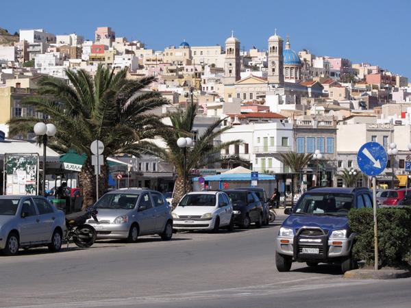 Ermoupoli, sur l'île de Syros, plaque tournante et capitale administrative des Cyclades, 2013.
