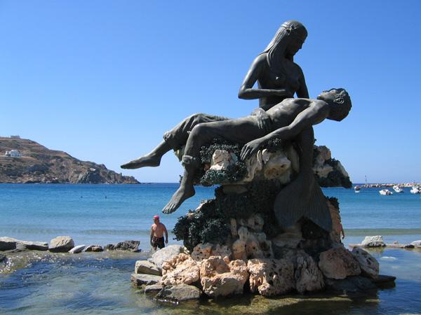 Aspects de Syros, l'île plaque tournante et capitale administrative des Cyclades, 2006.