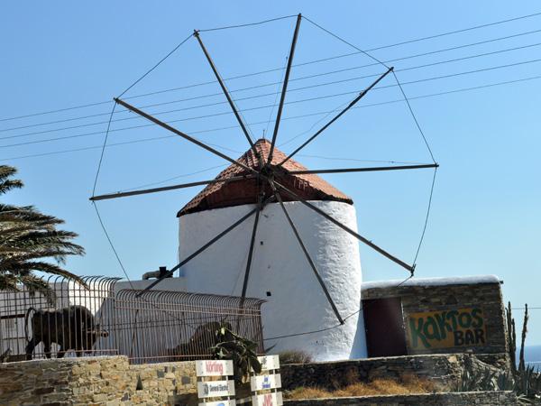 Aspects de Tinos, la Lourdes des Cyclades, 2010.